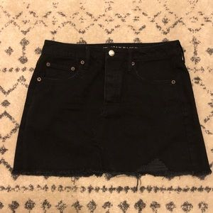 [American Eagle] Distressed Black Jean Skirt